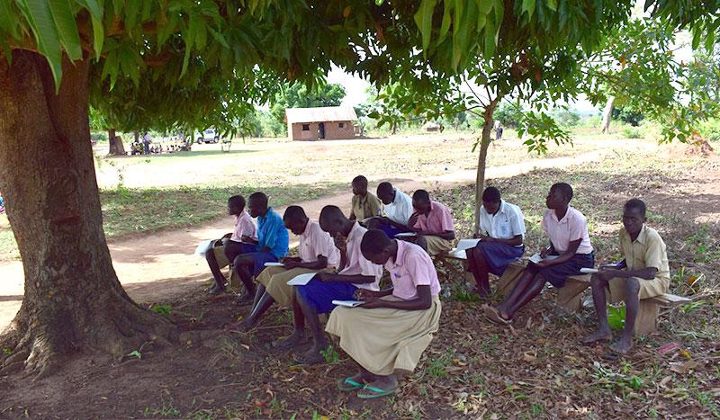 An diesem Mahnmal eines Massakers soll die neue Schule entstehen - als Signal der Hoffnung